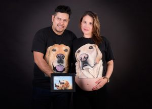 Estudio Fotográfico en Santiago embarazo, perros bienvenidos